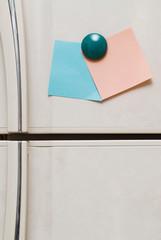 blank notes on fridge