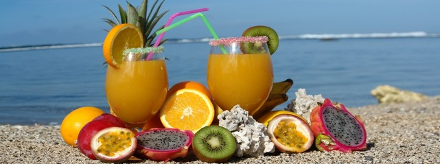 fruits exotiques et  cocktail
