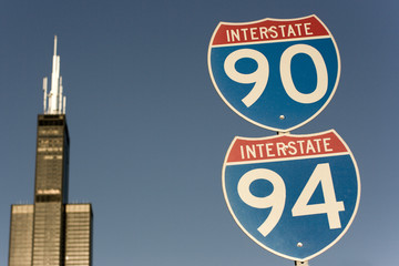 sign of interstate 90 and 94 in chicago