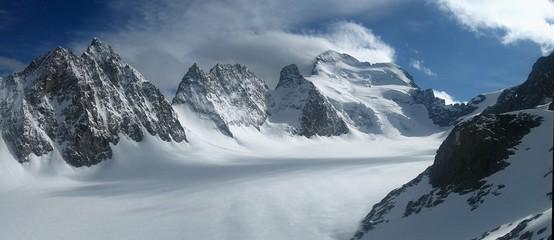 les ecrins et le glacier blanc