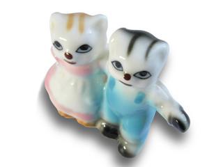 1097 - petits chats en porcelaine
