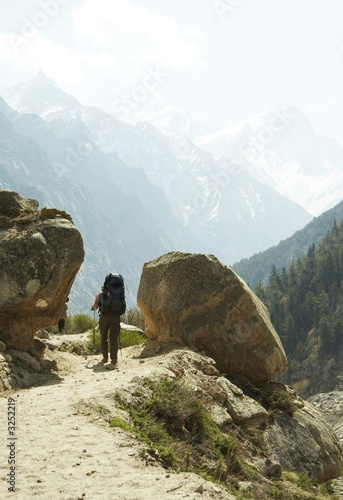 hiking in himalayans