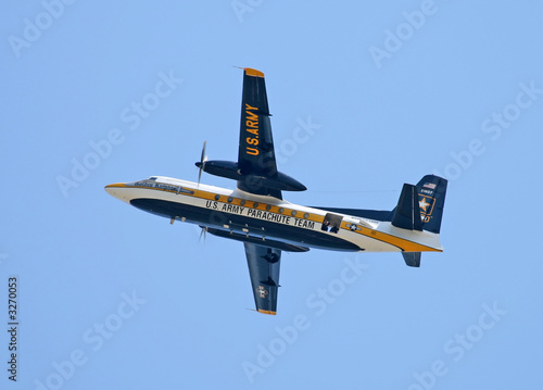 us army golden knight performed at an air show