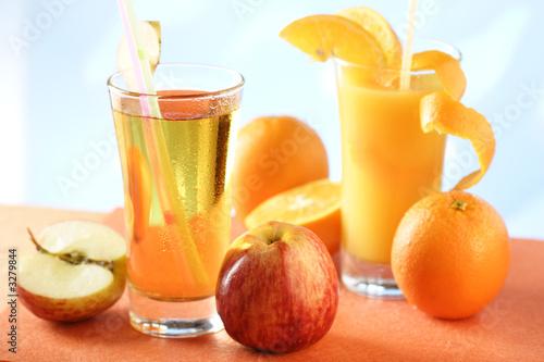apfelsaft und orangensaft