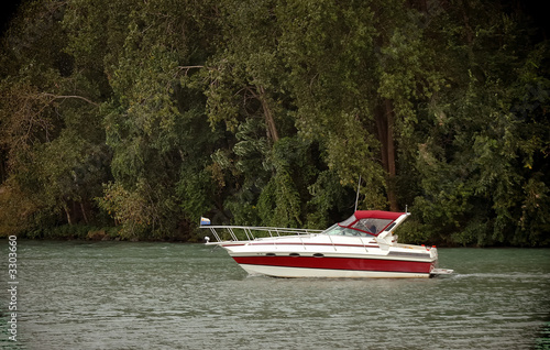 leisure boating 2