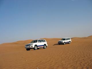 jeep nel deserto