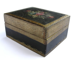 1219 - coffre en bois décoré (détourage inclus)