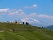 il borgo di san giuliano e l'etna