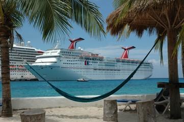 carnival cruise ship in costa maya
