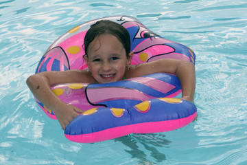 brincando na água
