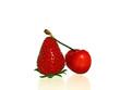 une fraise et une cerise