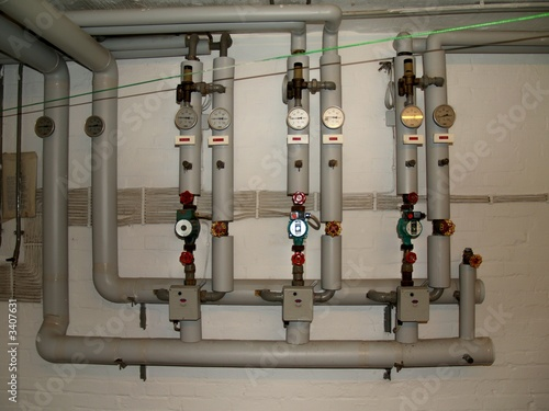 pumpen ventile heizung anlage stockfotos und. Black Bedroom Furniture Sets. Home Design Ideas