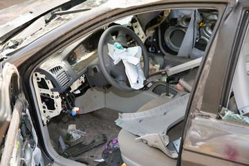 broken car2
