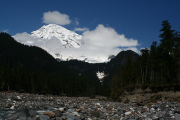 rainier with clouds