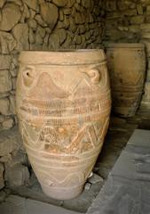 crete vase-1