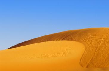 dunes-32b