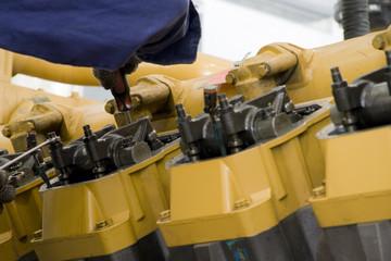 Large engine maintenance