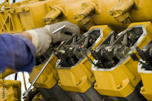 Leinwanddruck Bild Gas engine maintenance