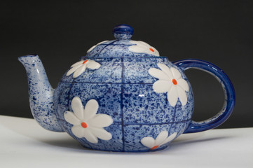 blue teapot with selection path