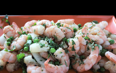 shrimp with peas, cauliflower, onion and cilantro 1
