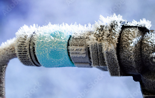 Frozen Garden Hose and water pipe connection - 3634282