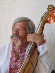 Senior ukrainian musician with bandura 14