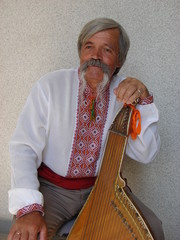 Senior ukrainian musician with bandura 8