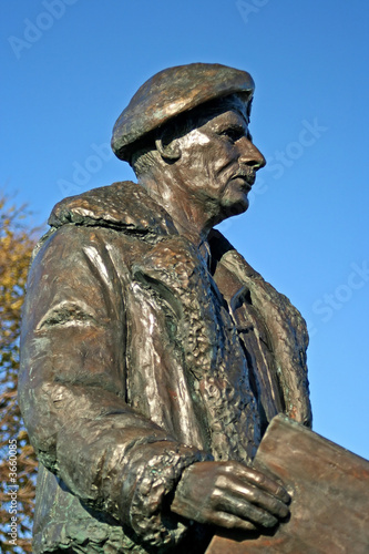 statue of general montgomery