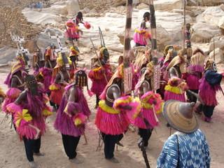 Danse des masques à Tireli (Pays Dogon, Mali)