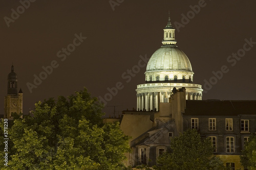 Panthéon by night