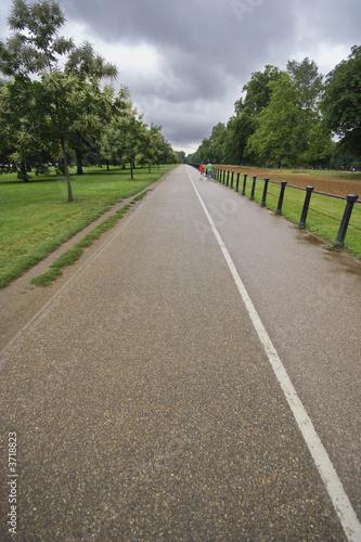 Hyde Park cycle and walk