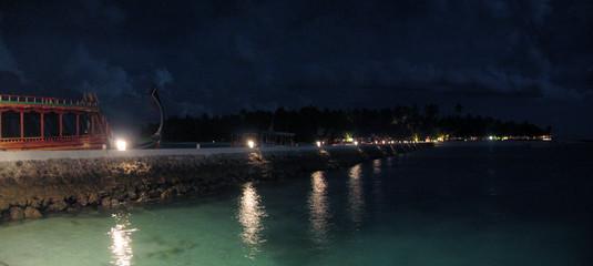 Maldive di notte