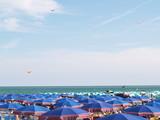 plage...les parasols poster