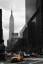 Taxis amarillos en la Calle 35, Manhattan, Nueva York