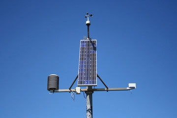 Small solar powered weather monitoring station