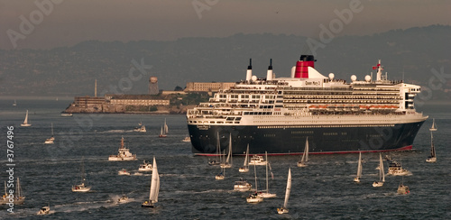 Queen Mary 2 visits San Francisco