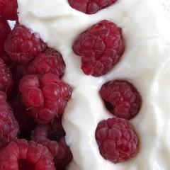 Raspberries with yogurt