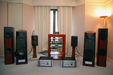 hi-fi audio system