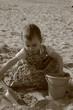 enfant dans le sable