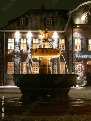 Goslarer Marktbrunnen bei Nacht - 3797250