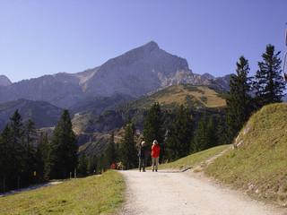 Wandern unter der Alpspitze
