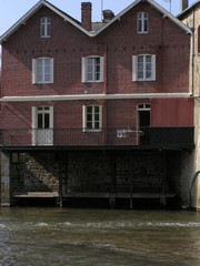 0797 - Maison-lavoir en Mayenne