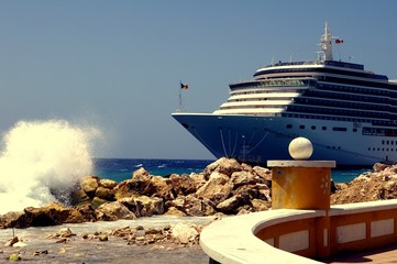 Cruise at Curacao