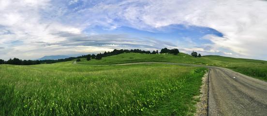 paysage montagne vert été nature route campagne collines