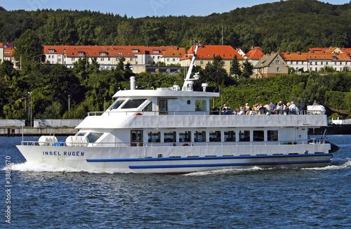 Leinwanddruck Bild Rügen, Sassnitz, Hafen, Schiffe