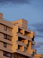 Immeuble moderne cubique, paris