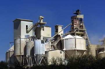 usine ou l'on fabrique du ciment