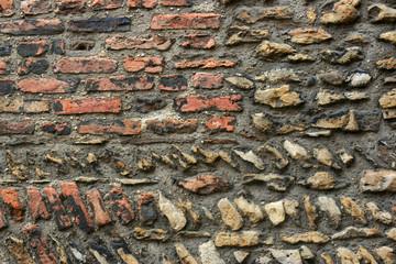 Ziegelmauer 6
