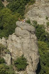 Eine Gruppe von Bergsteigern am Gipfel