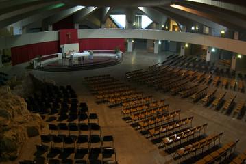 Siracusa interno santuario della Madonna delle Lacrime